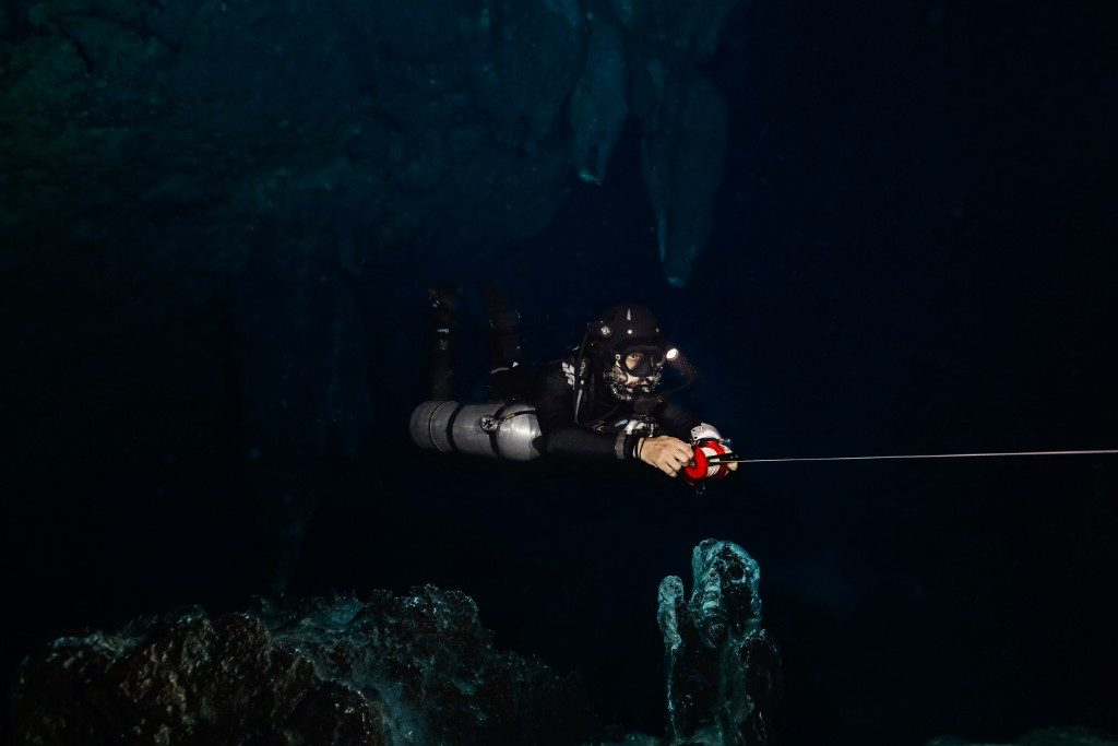 Carwash cenote deep diving