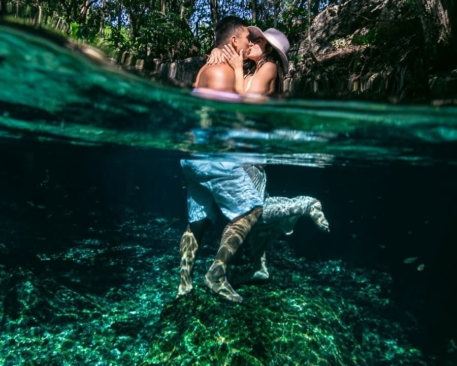 underwater photo in a cenote - 2 lovers